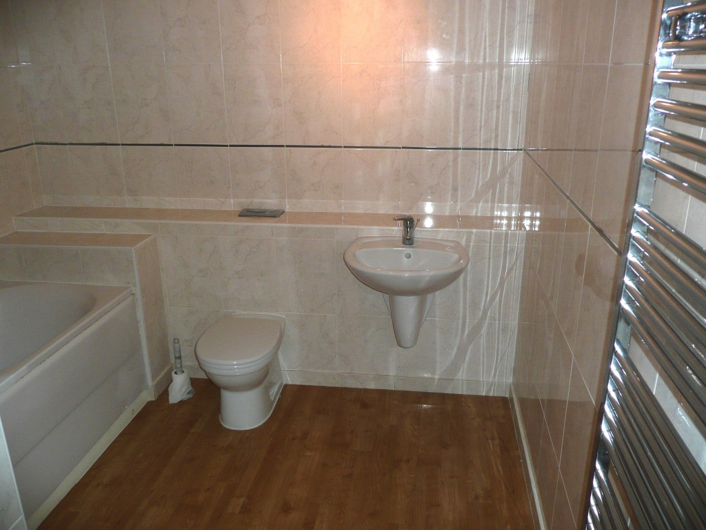 14 delamere bathroom 18th august 2014